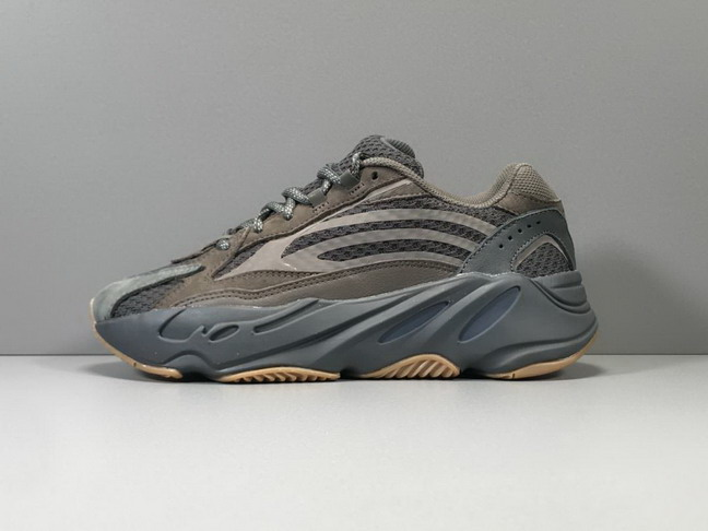 women air yeezy 700 boosts-001